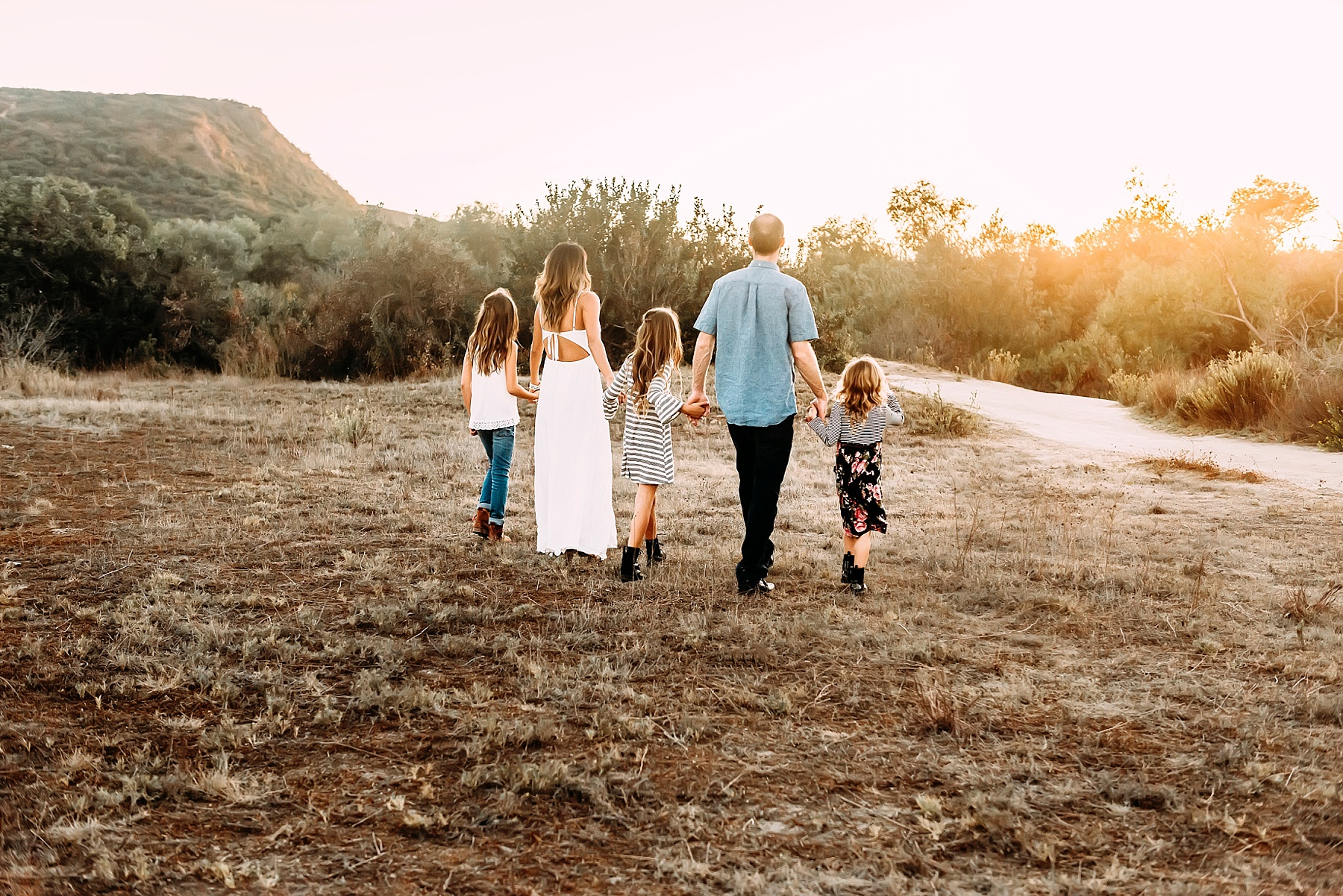 family of five photos family pictures in a field