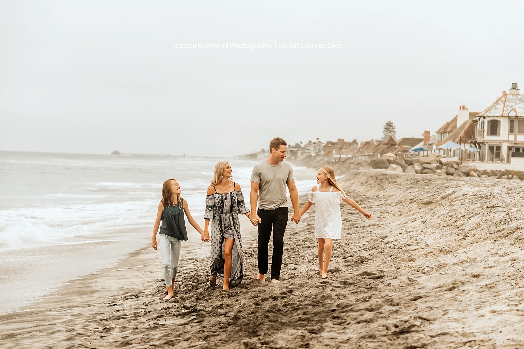 family beach picture ideas family of 4 walking on beach