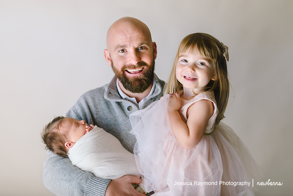 newborn photography pictures dad daughter pose