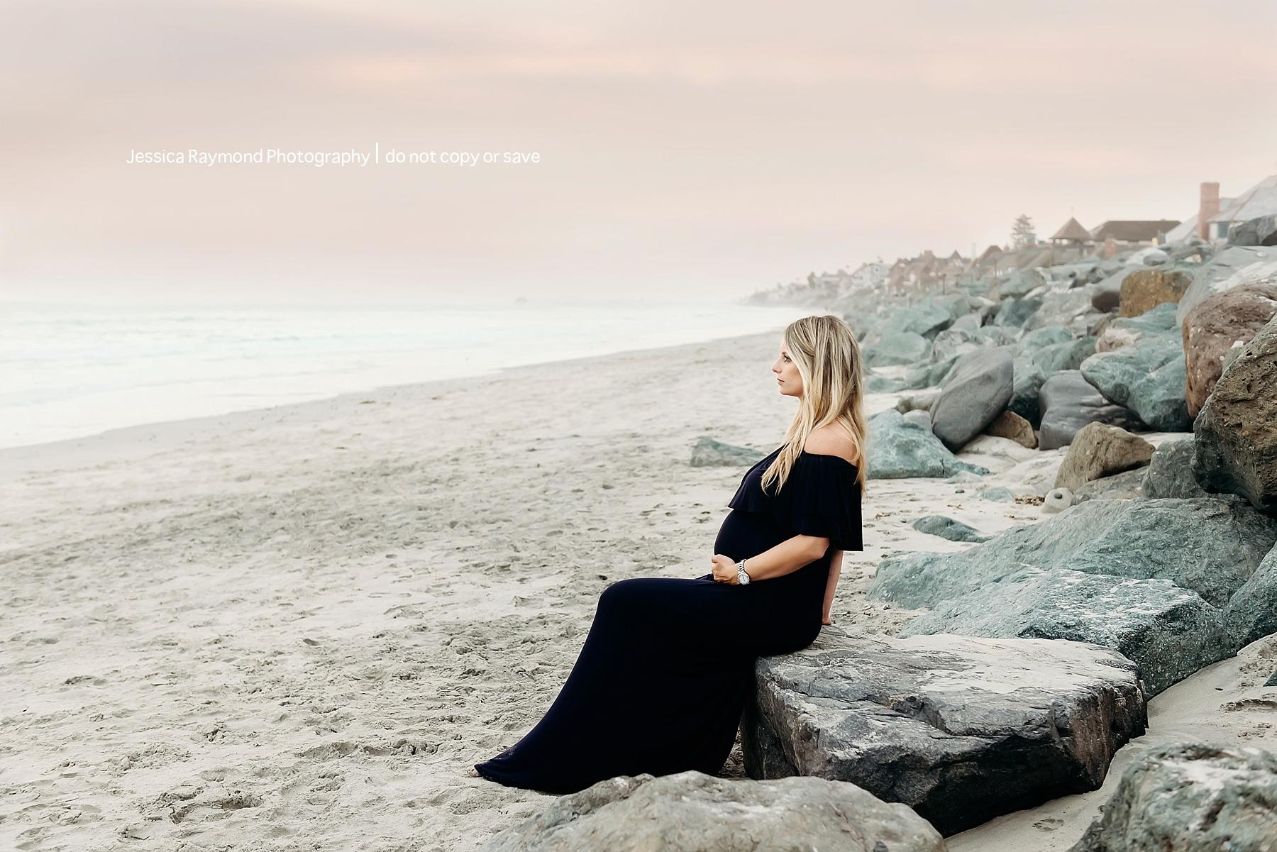 beach maternity picture ideas pregnancy photo shoot