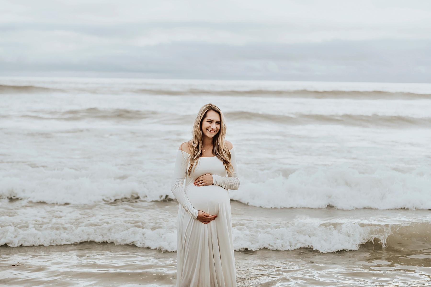 maternity photography del mar expecting mom on beach