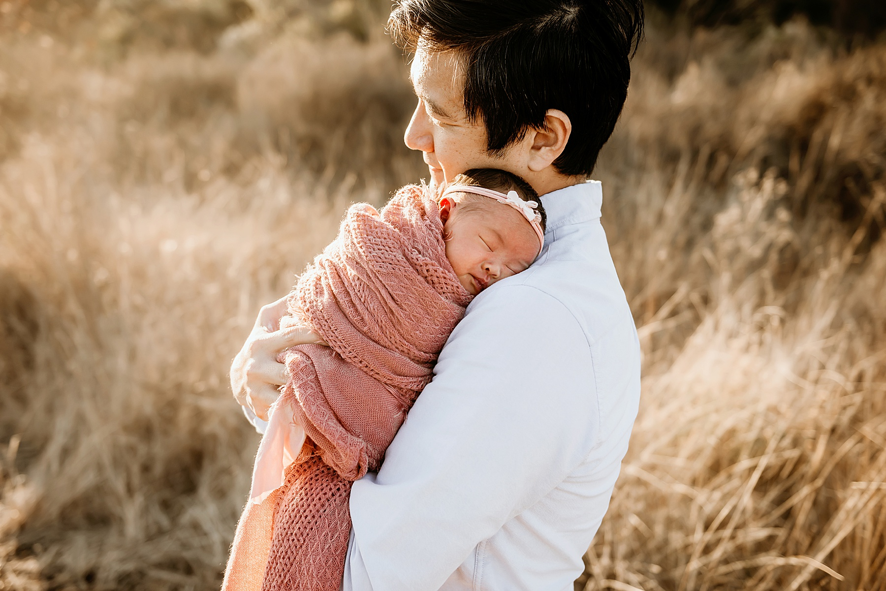 outdoor family newborn pictures