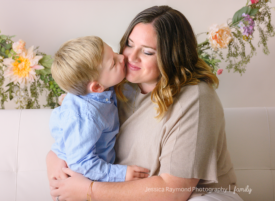 san marcos family photographer mommy me mini session mothers day photo shoot mommy me photo session studio session