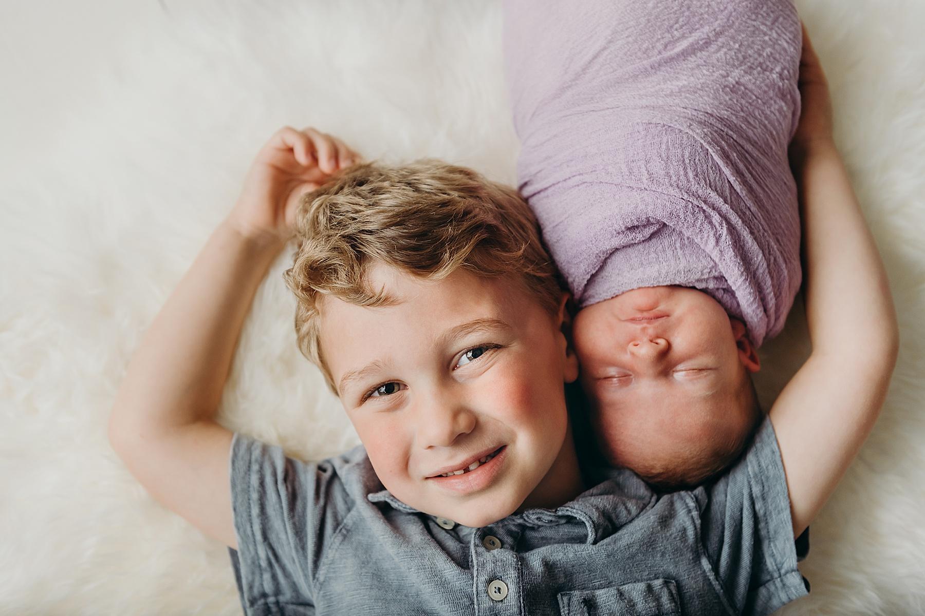san marcos studio newborn pictures siblings